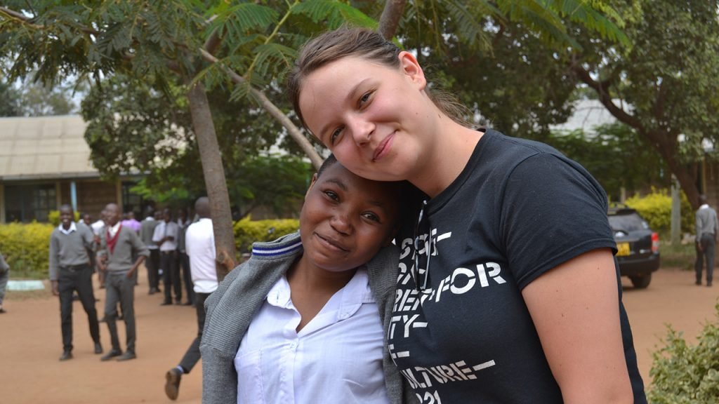 Anna, one of our customers with a student from the Kaewa school. 180630